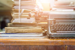 Стиль машинки античный винтажный и старые документы Стоковые Изображения RF