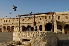 Стиль наследия хорошо в waqif souq, Дохе стоковое изображение