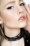 Стиль панковского утеса Сторона модели женщины моды с составом очарования Стоковое фото RF