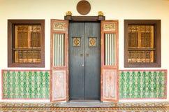 Стиль португалки старых зданий Sino в городке Таиланде Пхукета арбитража стоковая фотография rf