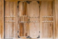 Стиль старой деревянной двери корейский, Сеул, Южная Корея, древесина зерна и Стоковые Фото