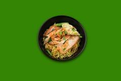 Стиль сухих лапшей свинины тайский в черном шаре Стоковое Изображение RF