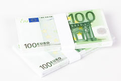 Стога 100 банкнот евро Стоковые Фотографии RF