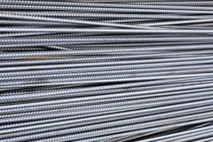 Стог баров подкрепления тяжелого метала с периодической текстурой профиля Закройте вверх по стальному armature конструкции Абстра стоковое фото