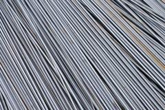 Стог баров подкрепления тяжелого метала с периодической текстурой профиля Закройте вверх по стальному armature конструкции Абстра стоковое изображение rf