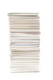 Стог визитных карточек на изолированной таблице Стоковые Изображения RF