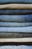 Стог джинсыов стоковое изображение rf