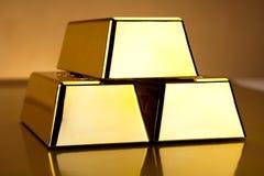 Стог золота в слитках, окружающая финансовая концепция Стоковая Фотография RF
