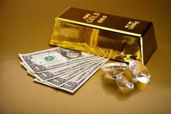 Стог золота в слитках, окружающая финансовая концепция Стоковое Изображение RF