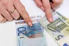 Стог изолированных банкнот евро Стоковые Изображения RF