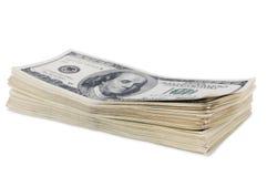 Стог 100 изолированных долларовых банкнот Стоковые Фотографии RF