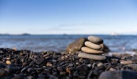 Стог камней Дзэн. Стоковое Изображение RF