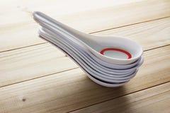 Стог китайских ложек супа Стоковое фото RF