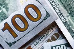 Стог 100 концов-вверх долларовых банкнот Стоковое Изображение
