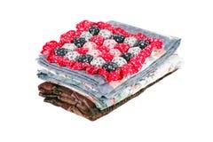 Стог красивых handmade лоскутных одеял Стоковые Фото