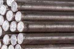 Стог круглого стального прута - железных железных дорог металла материальных Стоковое Изображение RF
