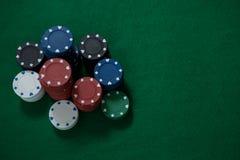 Стог обломоков покера на таблице Стоковая Фотография