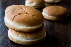 Стог плюшек или хлеба гамбургера Стоковая Фотография