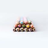 Стог покрашенных карандашей Стоковое фото RF