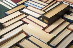 Стог предпосылки книг много куч книг Стоковое Изображение RF