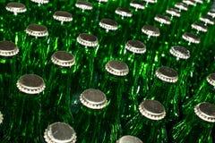 Стог пустых зеленых стеклянных бутылок Стоковые Изображения RF
