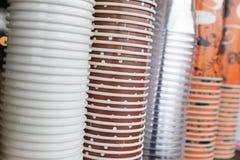 Стог пластичной бумажной кофейной чашки Стоковые Фото