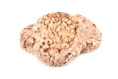Стог сопенного всего crispbread зерна изолированного на белой предпосылке Стоковое фото RF