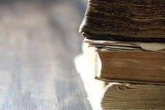 Стог старой ретро книги Стоковое фото RF