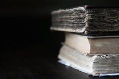 Стог старой ретро книги Стоковые Изображения