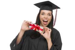 Стог удерживания студент-выпускника женщины подарка обернул 100 долларов Bil Стоковые Изображения