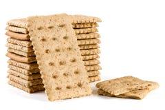 Стог crispbreads зерна изолированных на белой предпосылке Стоковое Изображение
