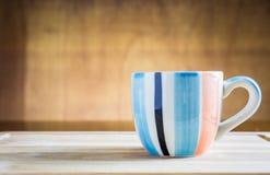 Стог macarons с чашкой кофе Стоковое Изображение RF
