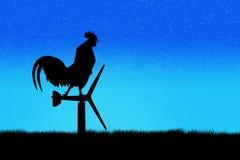 Стойка вороны петухов на ветротурбине В утре Стоковая Фотография RF