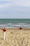 Стойка зонтика на пляже Стоковое фото RF