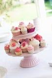 стойка пирожня стоковая фотография rf