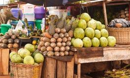 Стойка продукции в Аккра Гане стоковое фото rf