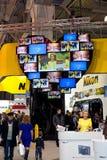 Стойка Nikon на бытовой электронике & экспо фото Стоковое фото RF