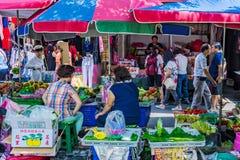 Стойлы в рынке утра Shuanglian стоковая фотография rf