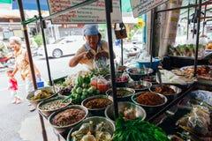 Стойл еды улицы в Бангкоке, Таиланде Стоковые Изображения