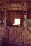 Стойл лошади амбара - влияние instagram стоковое изображение