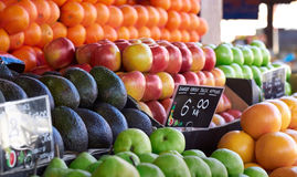 Стойлы плодоовощей Стоковые Фотографии RF