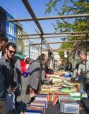 Стойлы Portobello, Notting Hill, Лондона, Англии Стоковые Фотографии RF