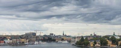 СТОКГОЛЬМ, ШВЕЦИЯ - 09, 2017: Море вида с воздуха и старый город в Sto Стоковые Фотографии RF