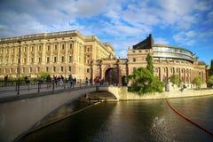 СТОКГОЛЬМ, ШВЕЦИЯ - 19-ОЕ АВГУСТА 2016: Прогулка и посещение людей на никаком Стоковое Изображение RF