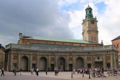 СТОКГОЛЬМ, ШВЕЦИЯ - ОКОЛО 2016: Королевский король Дворец в Стокгольме, Швеции, этом верхняя туристическая достопримечательность  Стоковая Фотография
