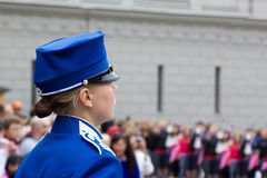 СТОКГОЛЬМ - 23-ЬЕ ИЮЛЯ: Изменять церемонии предохранителя с участием королевской кавалерии предохранителя Стоковые Изображения RF