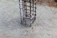 Столбец от низкопробной конструкции стоковое изображение