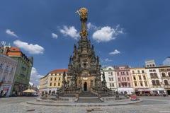 Столбец святой троицы в главной площади старого городка Olomouc, чехии стоковые изображения