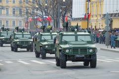 Столбец универсального ` тигра ` военных транспортных средств Стоковая Фотография RF