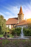 Столетие XVI замка XII Pruhonice около Праги, чехии стоковые фотографии rf